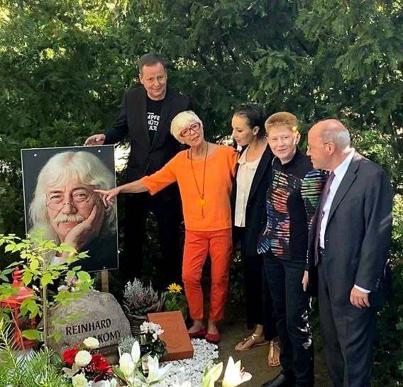 Ehrengrab für Laky