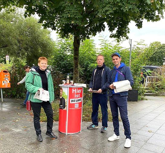 Infostand mit Björn Tielebein am S- Bahnhof Ahrensfelde